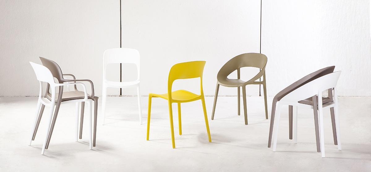Tavoli Sedie Plastica Marca.Sedie Tavoli Accessori Oltre 1000 Articoli Triangolo